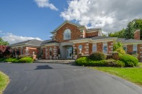 Luxury Home with Pool, Pond, Wooded area. Ontario Filming Location Renal