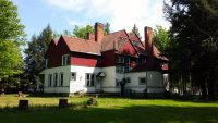 1800s Victorian Mansion & Cottage Woods Western New York